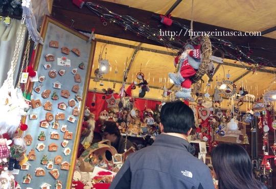 サンタクローチェ広場のクリスマス市