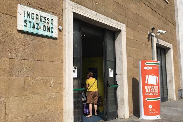 フィレンツェ駅の荷物預かり場所