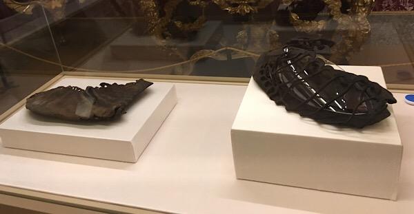 古代サンダル発掘品