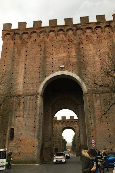 シエナ、ローマ門