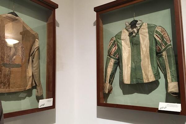 パリオのジョッキーの服
